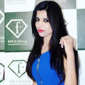 Celebrity Suzzane Malik - Tring India