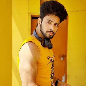 Celebrity Jatin Bhardwaj - Tring India