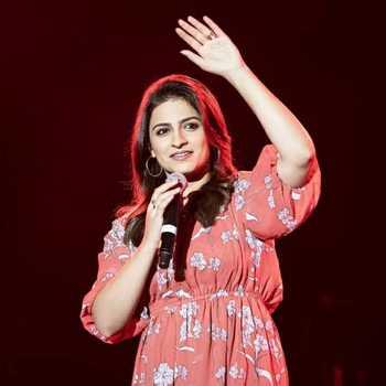 Celebrity Manya Narang - Tring India