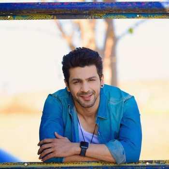 Celebrity Neel Motwani - Tring India