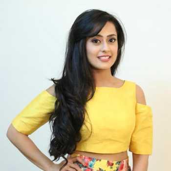 Celebrity Kirtida Mistry - Tring India
