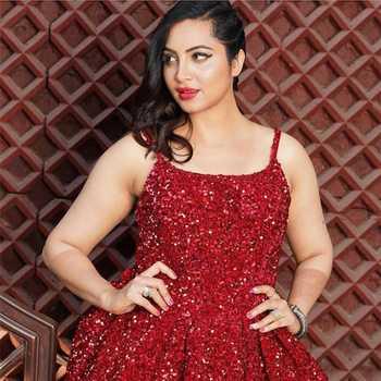 Celebrity Arshi Khan - Tring India