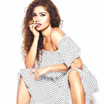 Celebrity Shona Rajput - Tring India