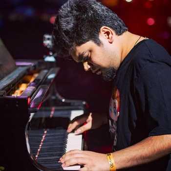 Celebrity Hasit Nanda - Tring India