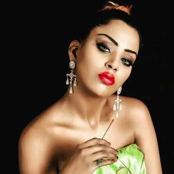 Celebrity Preeti Chawla - Tring India