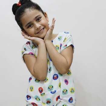 Celebrity Lavishka Gupta - Tring India