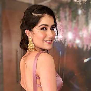 Celebrity Palak Kohli - Tring India