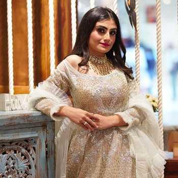 Celebrity Simranpreet Kaur Nagi - Tring India