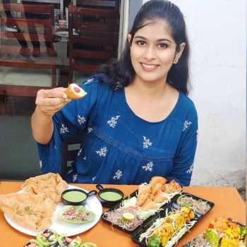Celebrity Rasika Joshi - Tring India