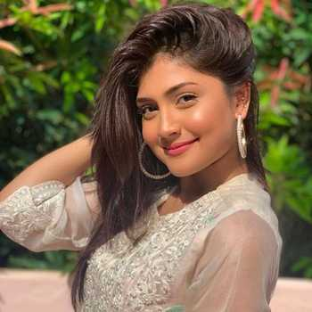 Celebrity Zeba Hassan - Tring India