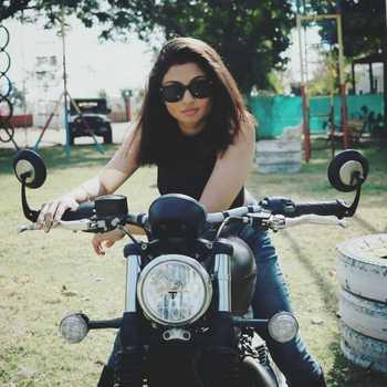 Celebrity Kalyani Potekar - Tring India