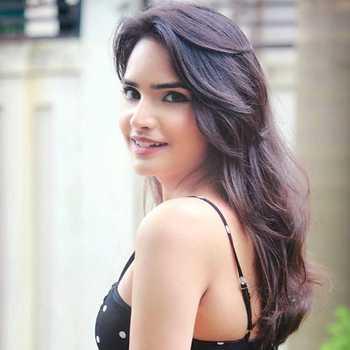 Celebrity Kinjal Gupta - Tring India