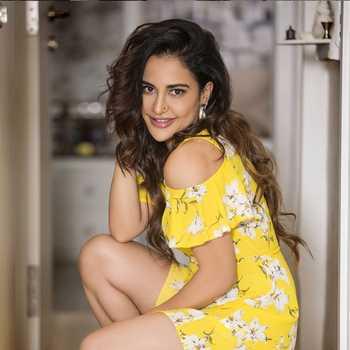 Celebrity Lizaa Malik - Tring India