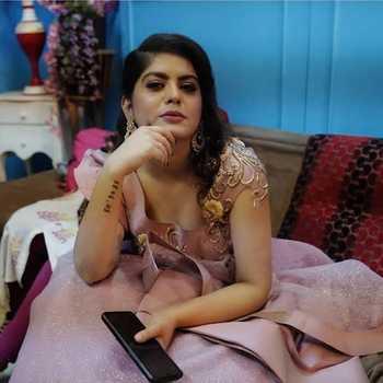 Celebrity Shruti Rajput - Tring India