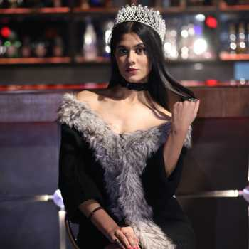 Celebrity Nupur Saxena - Tring India