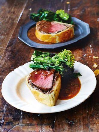 Jamies comfort food recipes jamie oliver beef wellington forumfinder Images