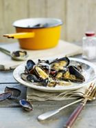 Coconut & lemongrass mussels