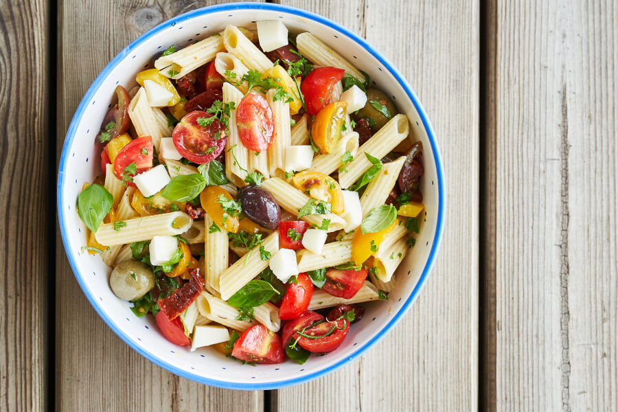 Juicy Veggie Pasta Salad thumbnail