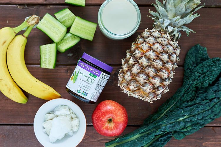 Green Aloe Smoothie with Kale, Pineapple and Banana ingredients