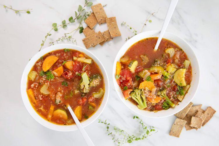 Veggie quinoa soup