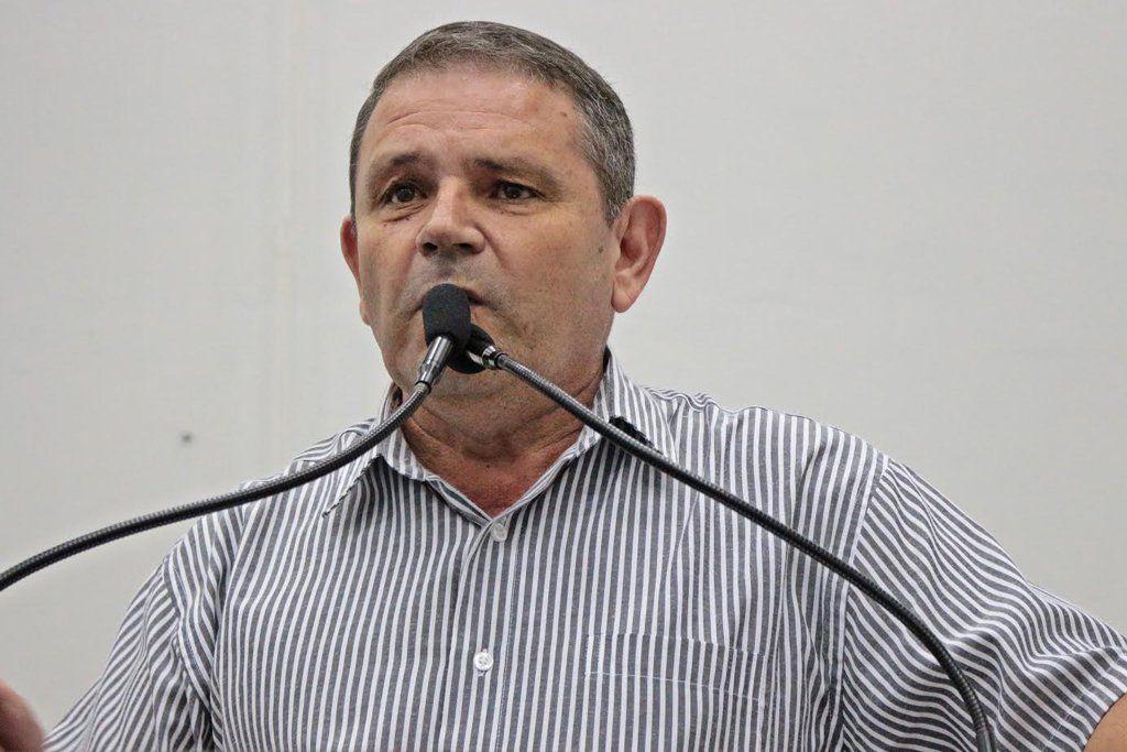 Vereador Valdir da Farmácia quer viabilizar atendimento especial para pessoas com mais de 60 anos (Foto: Divulgação/Câmara de Capivari)