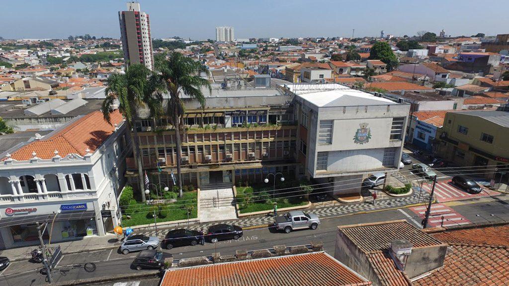 fachada da prefeitura de capivari