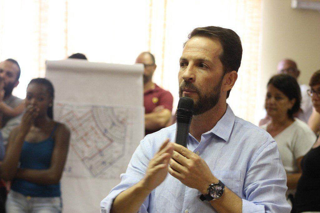 Prefeito Rodrigo Proença durante abertura do evento de escolha dos endereços