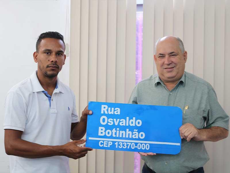 Todas as ruas receberão novas placas (Foto: Divulgação/Prefeitura de Rafard)