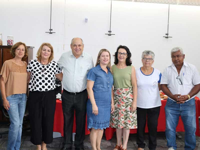 Diplomação dos novos conselheiros aconteceu no gabinete do prefeito (Foto: Divulgação/Prefeitura de Rafard)