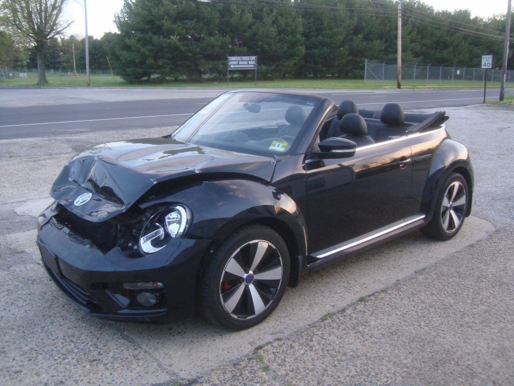 Easy front damage 2013 Volkswagen New Beetle Turbo Rebuildable Repairable