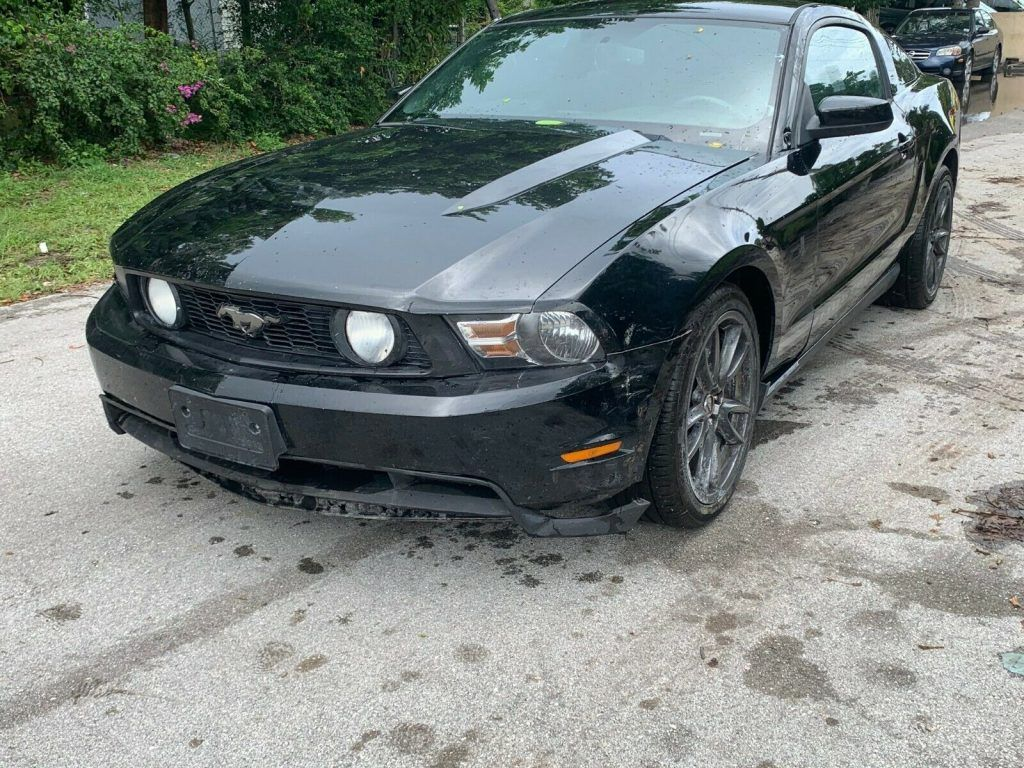 light damage 2012 Ford Mustang repairable