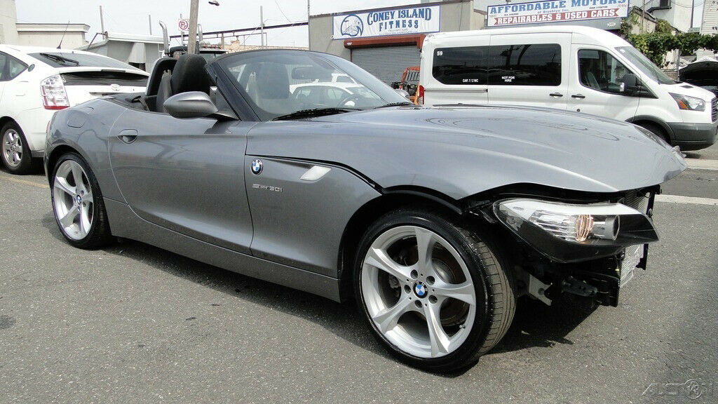 low miles 2011 BMW Z4 sDrive30i Repairable