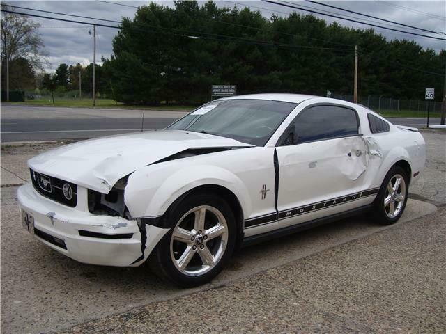 2008 Ford Mustang V6 Premium repairable [easy fix]