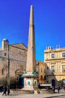 File:Arles obelisque.jpg
