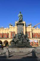 File:Kraków - Pomnik Mickiewicza 01.JPG