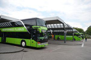 File:Berlin ZOB Flixbus.jpg