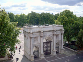 File:Marble Arch - geograph.org.uk - 1512461.jpg