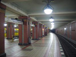 File:Reinickendorf-ubahn.jpg
