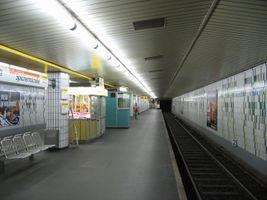 File:Spichernstr9-ubahn.jpg