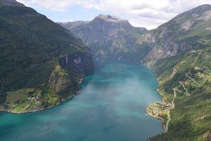 File:Geirangerfjord View from Løsta.JPG