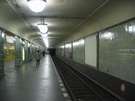 File:Schoenleinstr-ubahn.jpg