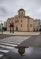File:Церква Богородиці Пирогощої.jpg