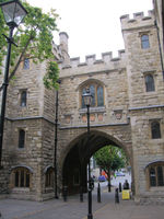 File:St John's Gate, Clerkenwell - London..jpg