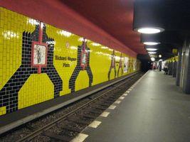 File:U-Bahn Berlin Richard-Wagner-Platz.jpg