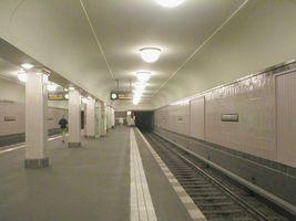 File:U-Bahn Berlin Heinrich-Heine-Straße.jpg