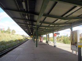 File:U-Bahn Berlin U5 Louis-Lewin-Strasse.JPG