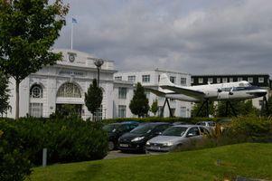 File:Croydon Airport former terminal building - geograph 3044446.jpg