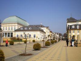 File:Františkovy Lázně 2009-04-04.jpg
