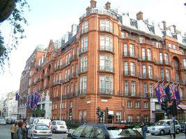 File:Claridges Hotel - geograph.org.uk - 1064579.jpg