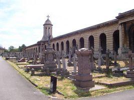 File:Brompton Cemetery - geograph.org.uk - 313291.jpg